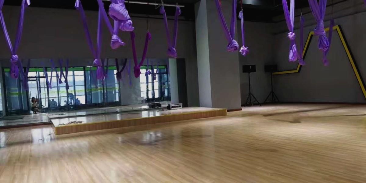 瑜伽房带弹性的塑胶地板