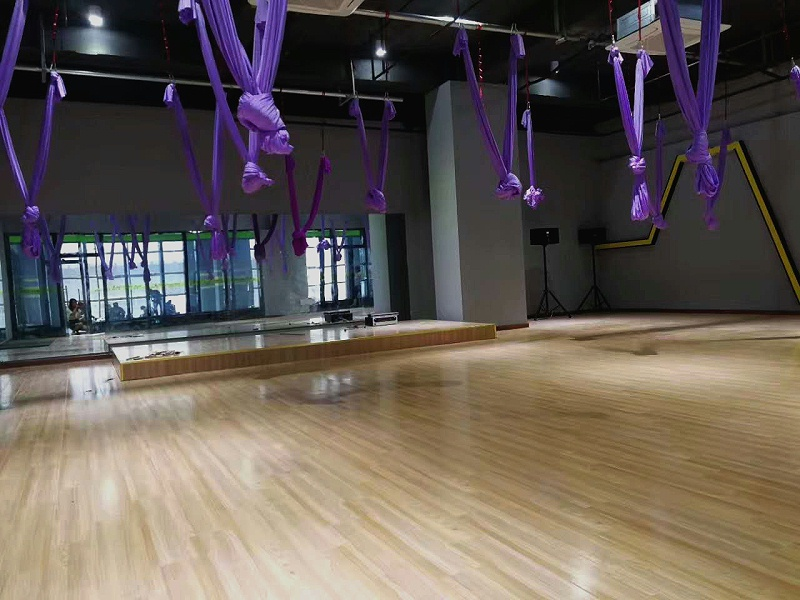 瑜伽馆地面用塑胶地板