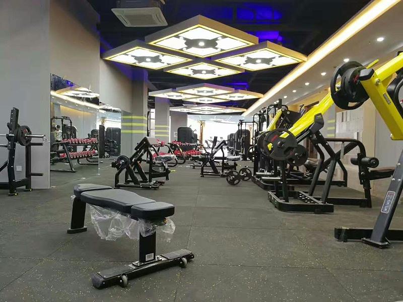 力量区健身房地垫怎么选