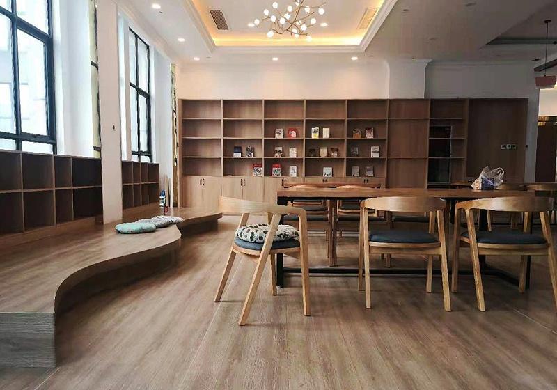 木纹卷材地板