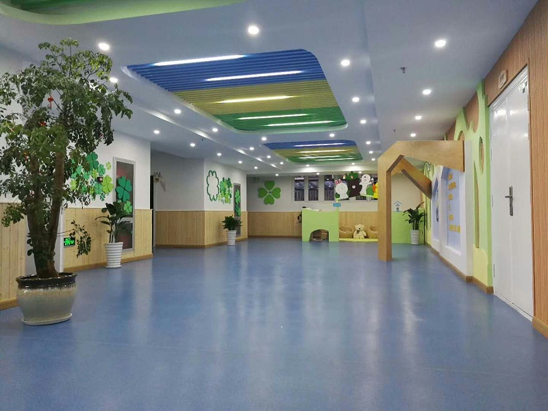 PVC同质透心卷材地板