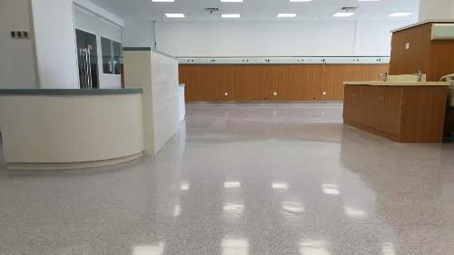 PVC透芯卷材地板更胜于复合地板