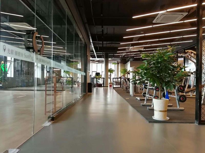 海陵区光猪圈健身会所博凯复合地板铺色效果图3