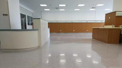 医院常用同质透心塑胶地板的优势