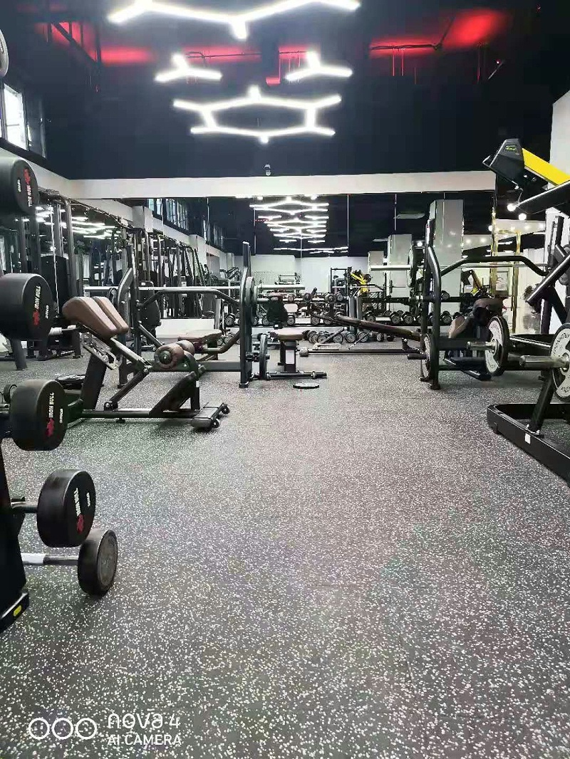 健身房体能区橡胶地垫