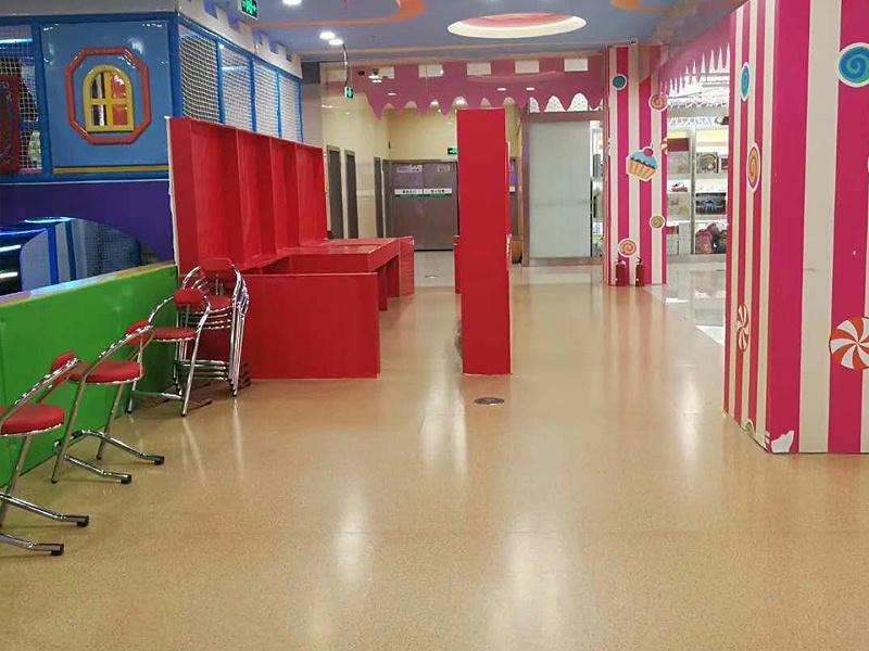 游乐场公共区域塑胶地板