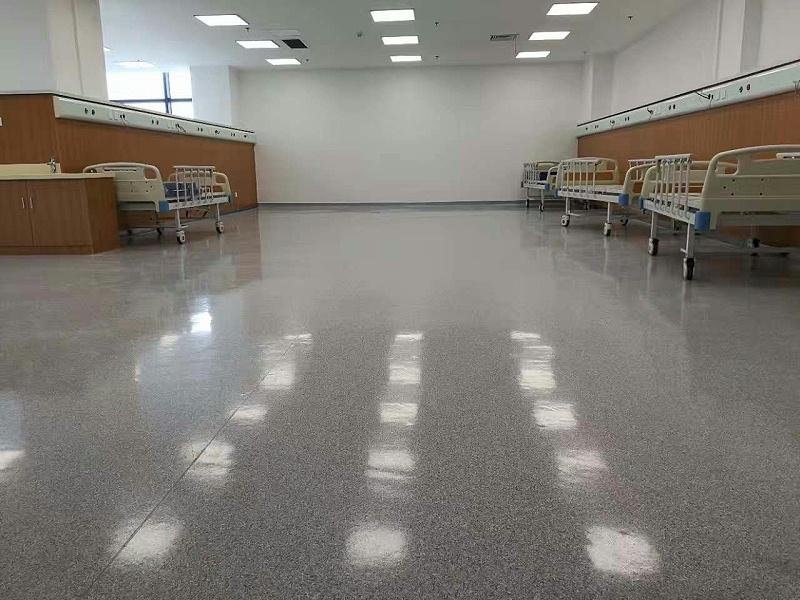 泰州市新中医院洁福地板同质透心系列铺设效果图3