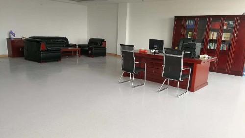 学校教室地板哪种好