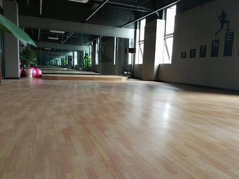 海陵区光猪圈健身会所博凯复合地板铺色效果图4