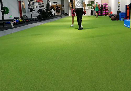 海陵区IMPACT健身会所人造草坪铺设效果图