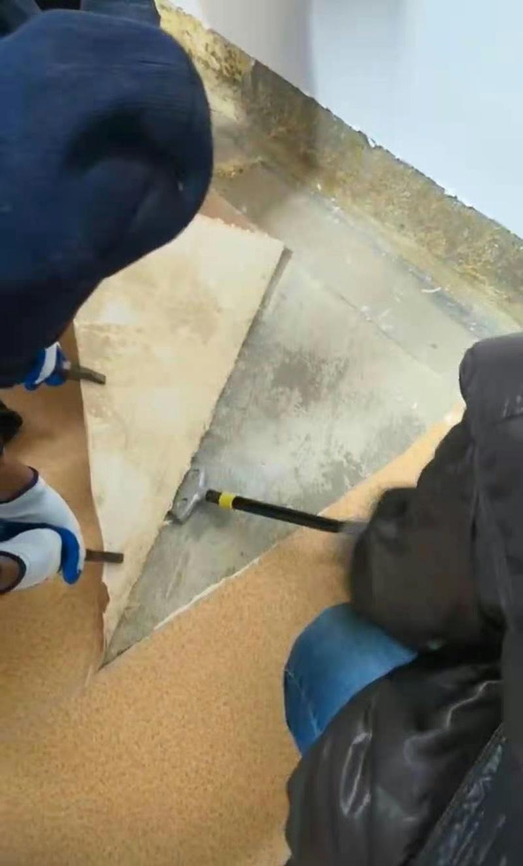 塑胶地板翻新