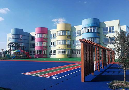 姜堰区兴泰幼儿园室外自结纹塑胶场地铺设效果图