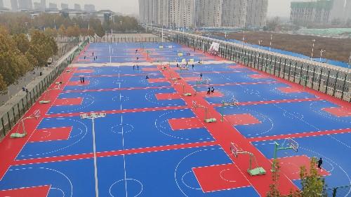 悬浮地板篮球场和塑胶地面哪个好
