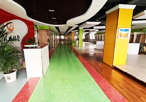 凤城橡塑展示厅前台