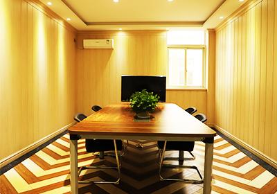 凤城橡塑小型会议厅