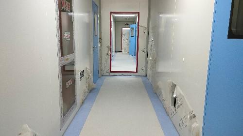 室内PVC塑胶地板空鼓起壳如何处理?