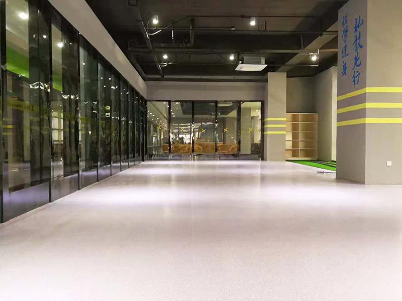 海陵区百斯特健身会所铺设博凯复合地板案例