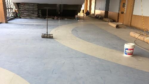 塑胶地板不含甲醛,那胶水呢?