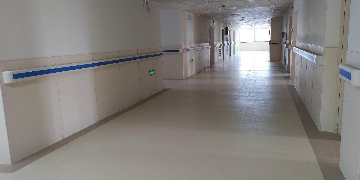 净化工程铺设塑胶地板考虑几方面?